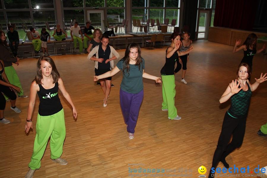 """seechat.de beim Seehafenfliegen: Training zur Show """"Schwanensee"""" der Tanzsp"""
