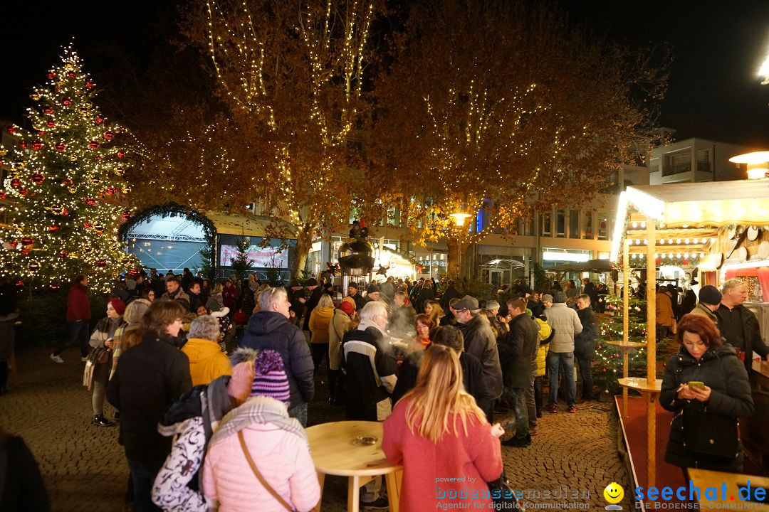 Weihnachtsmarkt mit Eisbahn: Friedrichshafen am Bodensee, 01.12.2018